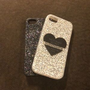 Two iPhone 5 se cases